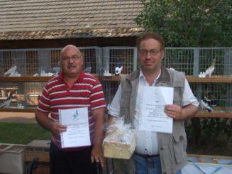 Die beiden Züchter der herausgstellten Jungtiere links Dieter Roll, rechts Ralph Neumann