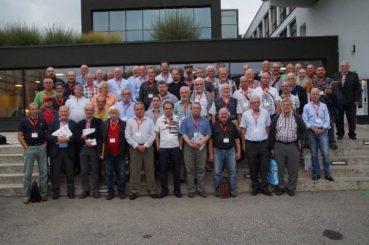 Gruppenfoto der Teilnehmer der EE-Preisrichtertagung der Sparte Tauben. Foto: Bauer