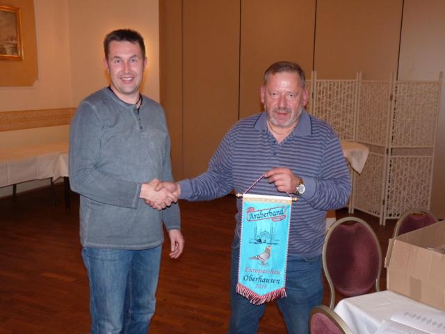 Matthias und Stefan Albert gewannen als Zuchtgemeinschaft Albert ebenfalls ein Araberband.
